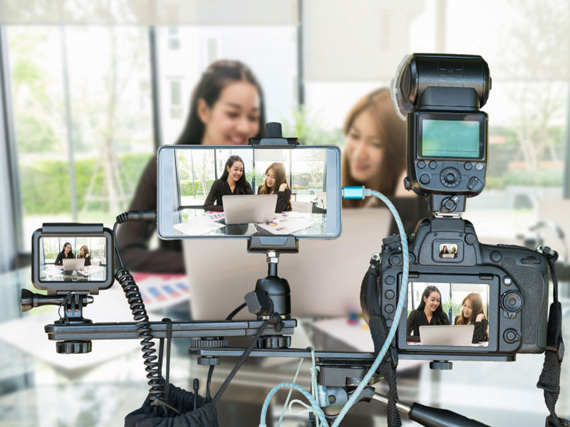 Broadcasting of high-quality Internet video streaming